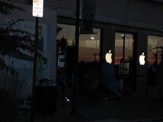 iPhone Line at Tice's Corner | by rustybrick