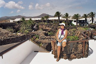 "in the park of ""Jameos del Agua"" / en el parque de los ""Jameos del Agua"", Lanzarote 