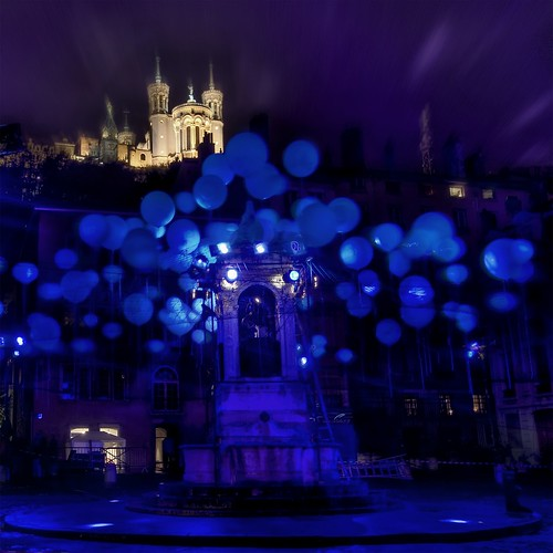 The Festival of Lights in Lyon | by Stuck in Customs