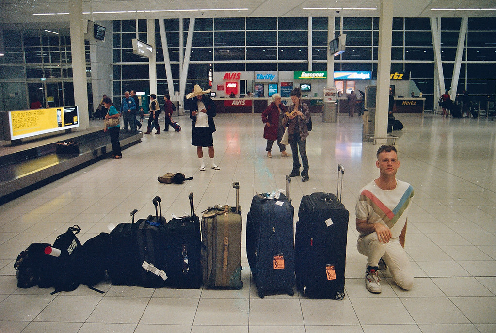 darwin deez with luggage at adelaide airport