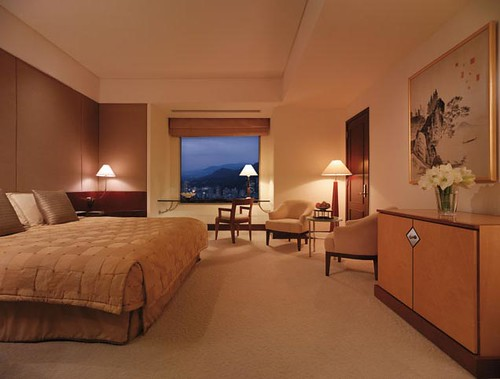 Deluxe Room, Shangri-La's Far Eastern Plaza | by Travel Intelligence