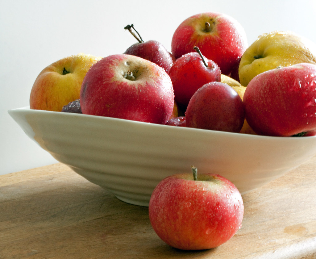 Georgina Ingham | Culinary Travels - Photograph Autumnal Apples in the Fruit Bowl