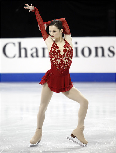 Sasha Cohen is back: second place after short program at the U.S. figure skating 2010 championships in Spokane and thunderous ovation proved she is the favorite to Vancouver 2010 Olympics | by zipckr