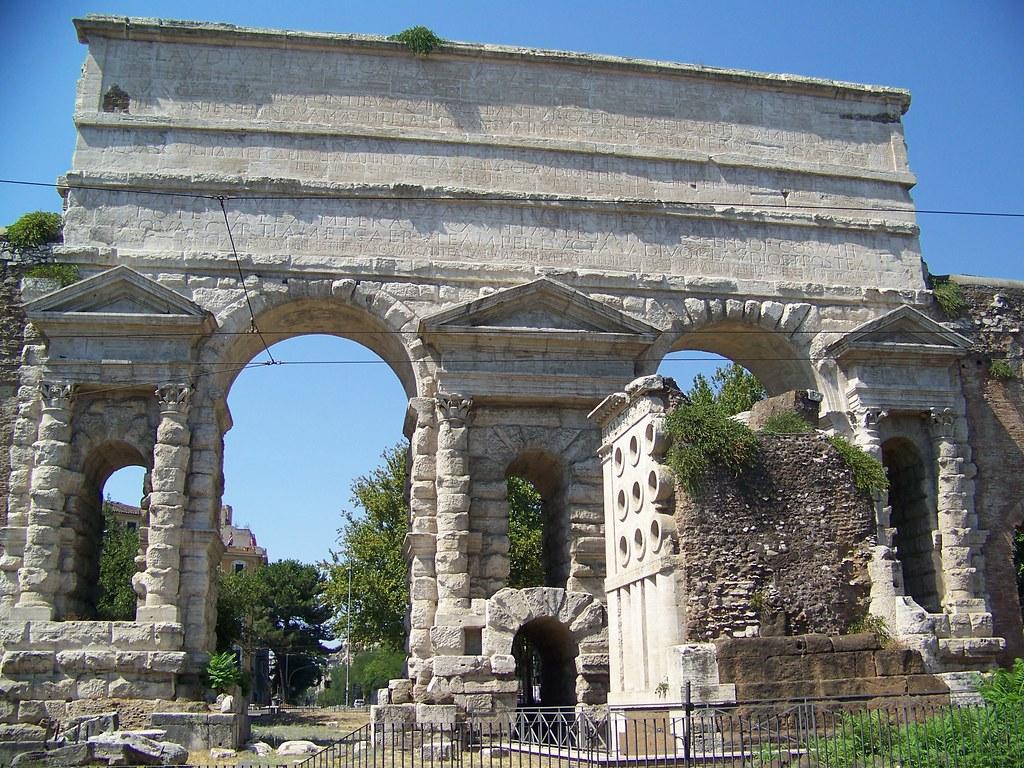 Tumba de Eurisacio y Porta Maggiore