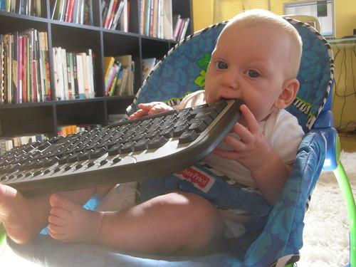 mano + keyboard