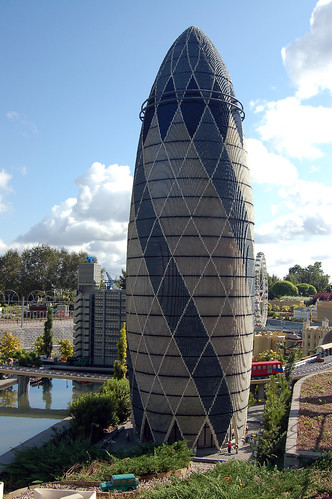 Legoland Windsor - Swiss Re Building | by Rob Young