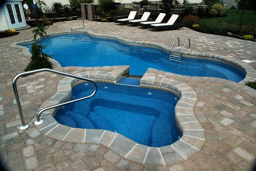 Pool designs yardville nj fiberglass pools flickr for Pool design hamilton nj