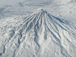 Kronotsky volcano, Kamchatka. En route from YVR to PEK | by TDW1968