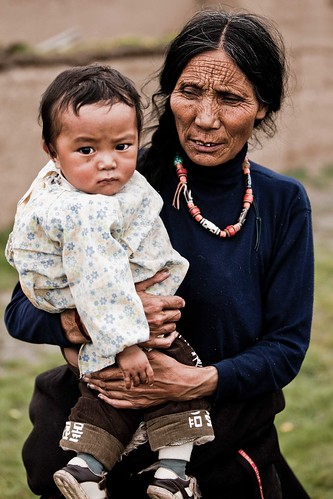 Tibetan mother and Daughter | by Paul Cowell