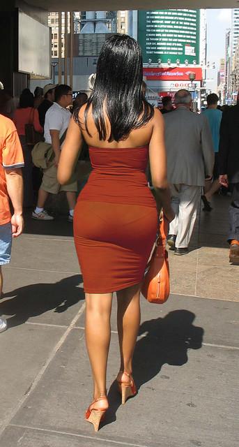женщины в просвечивающем фото