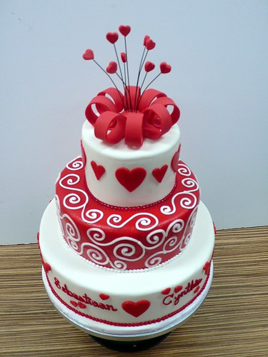 Red White Swirls Hearts Wedding Cake 2 | by CAKE Amsterdam - Cakes by ZOBOT