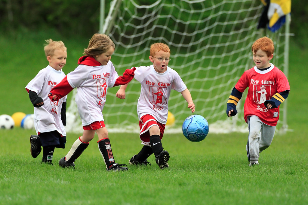 Волшебный футбол картинки кастеты нас