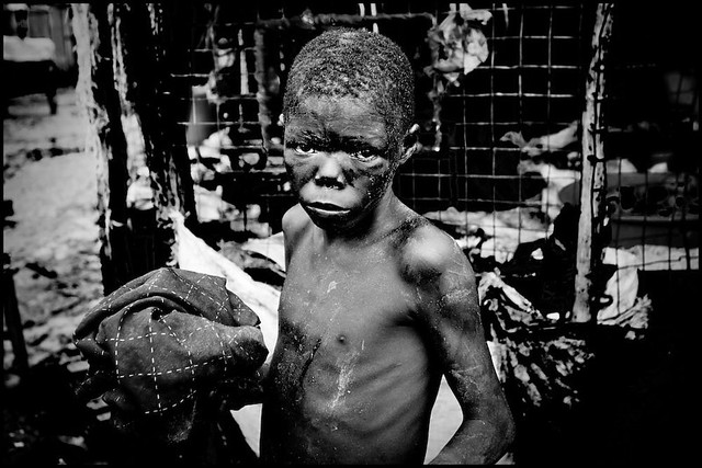 zoriah_photojournalist_war_photographer_kenya_child_children_poverty_20090127_9212