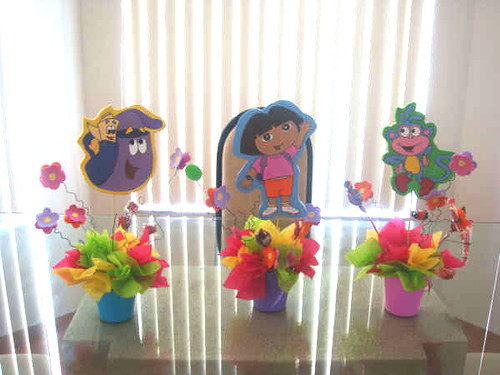 Centros de mesa, chupeteras, manteles, pinatas | Flickr - Photo ...
