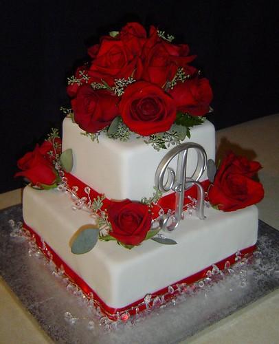 Wedding Cake Bling Beautiful Cakes That Sparkle Shine: Red Roses & Bling Wedding Cake