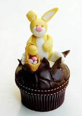 Easter Bunny Cupcake by Sugarbloom Bev