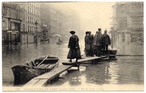 Paris Under the Waters: Oh That Wretched Morning (1910) | by postaletrice
