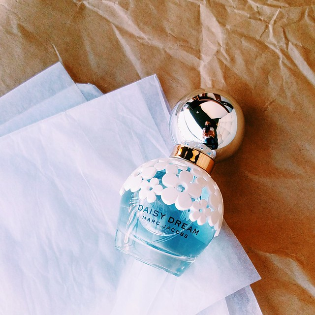 Daisy Dream by Marc Jacobs