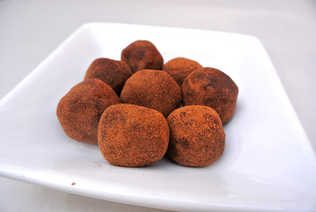 Sweet Almond Balls