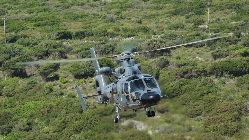 Eurocopter SA365F Dauphin 18666692700_5216380bfc_b