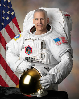 Astronaut Lee Morin, NASA photo (30 August 2010) 9840335763_7f6c85c96d_n.jpg