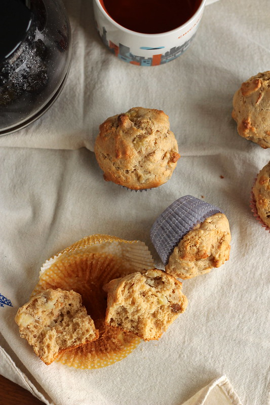 Whole wheat muffins with banana, pear, and cashews