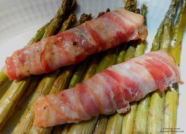 somon invelit in bacon cu sparanghel