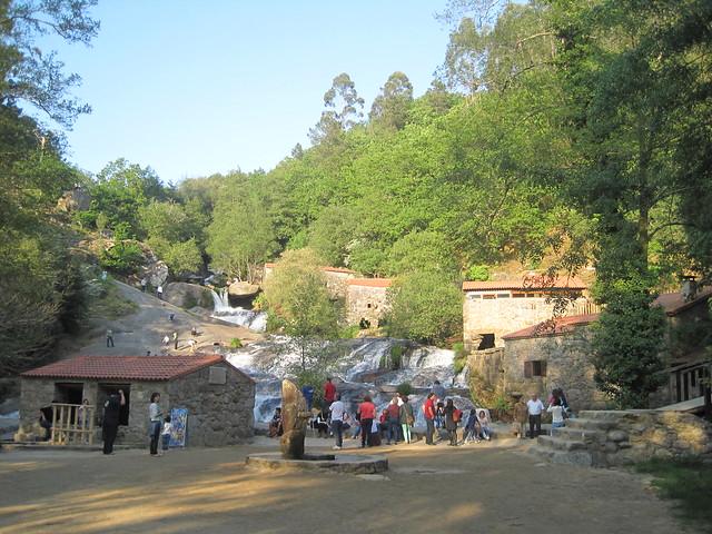Cascada Río Barosa en barro