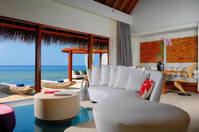 W Retreat & Spa - Maldives—Seascape Escape Living Room