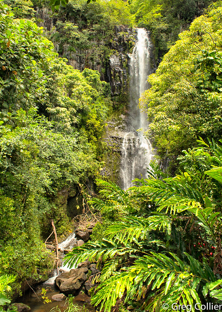 Hana waterfall.jpg