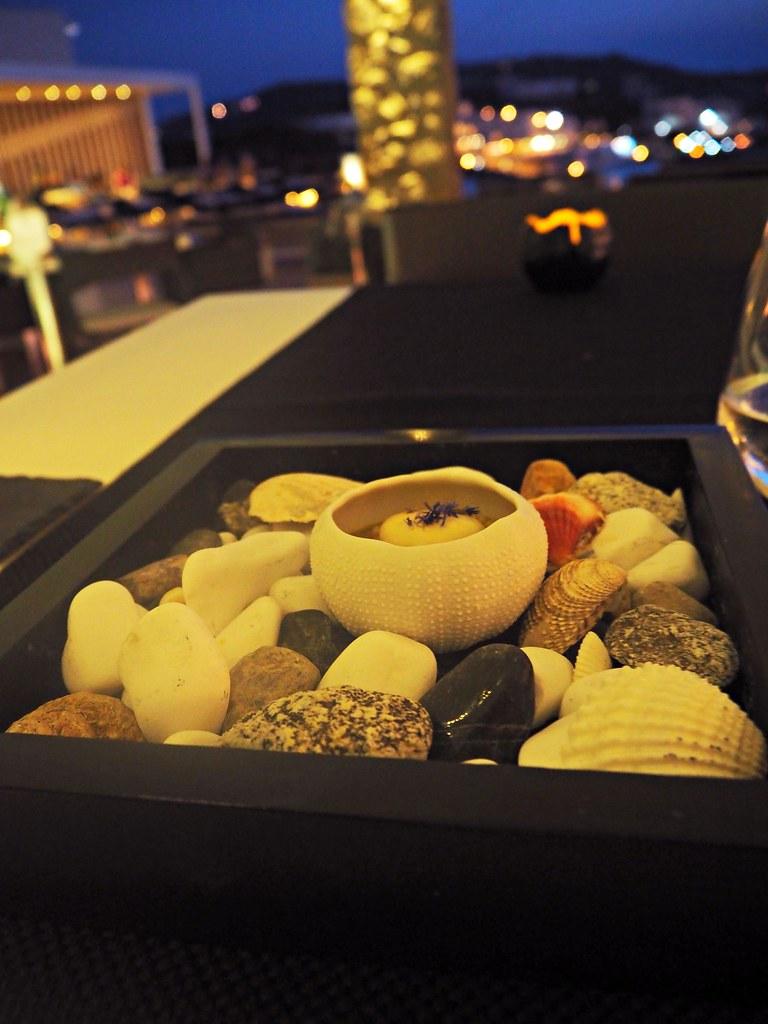 Billl & Coo suites mykonos restaurant main course