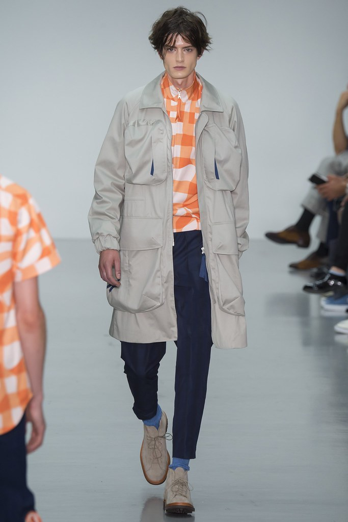 SS16 London Lou Dalton016_Gabriel Hengeveld(VOGUE)