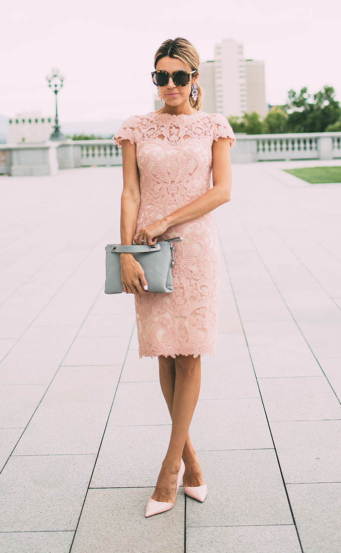 pinklacedress