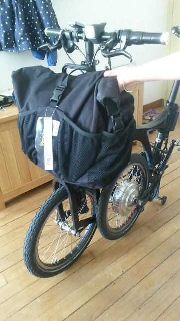 Sac avant de marque Brompton sur un autre vélo pliabe (Dahon, Birdy,...) - Page 2 19141267185_4cdb86077b_z