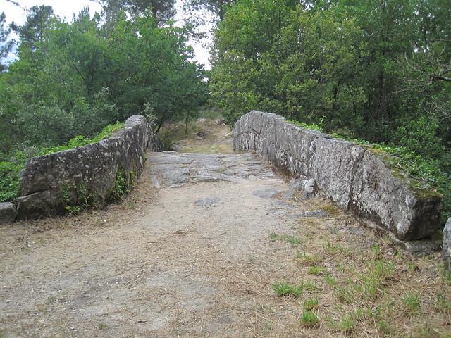 Puente en el Sendeiro do Río Vilameá en el Xurés