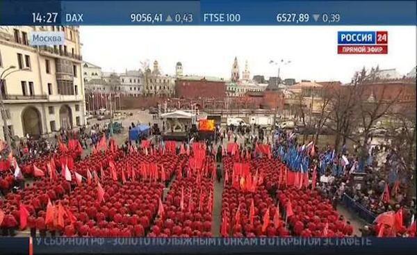 Berods antimaidano eisena Maskvoje dar visai neseniai. Putino palaikytojai - raudoni nuspausti mygtukai.