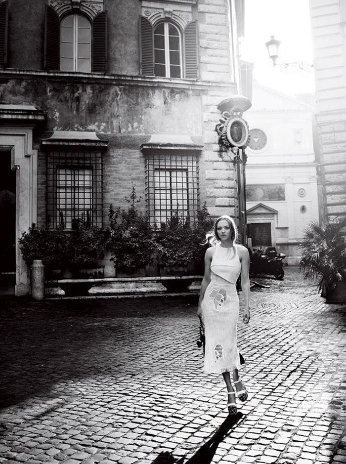 Amanda-Seyfried-Vogue-Mario-Testino-04