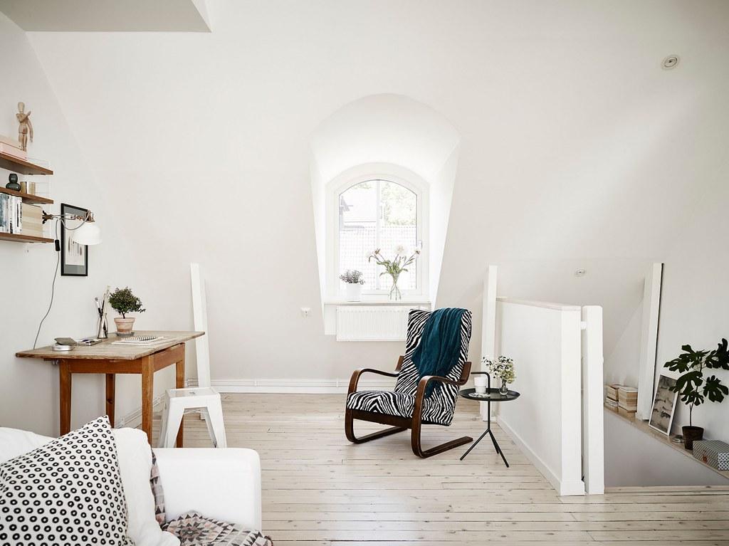 03modern-furniture