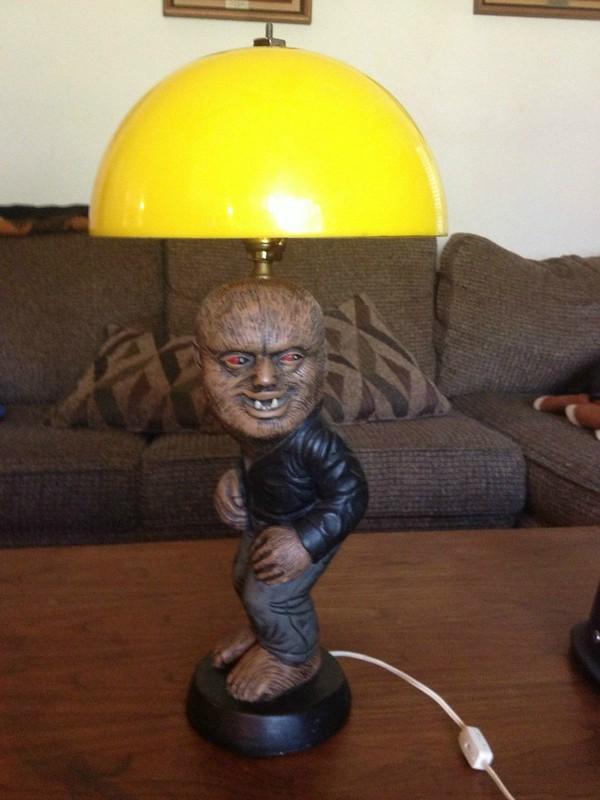 wolfman_lamp