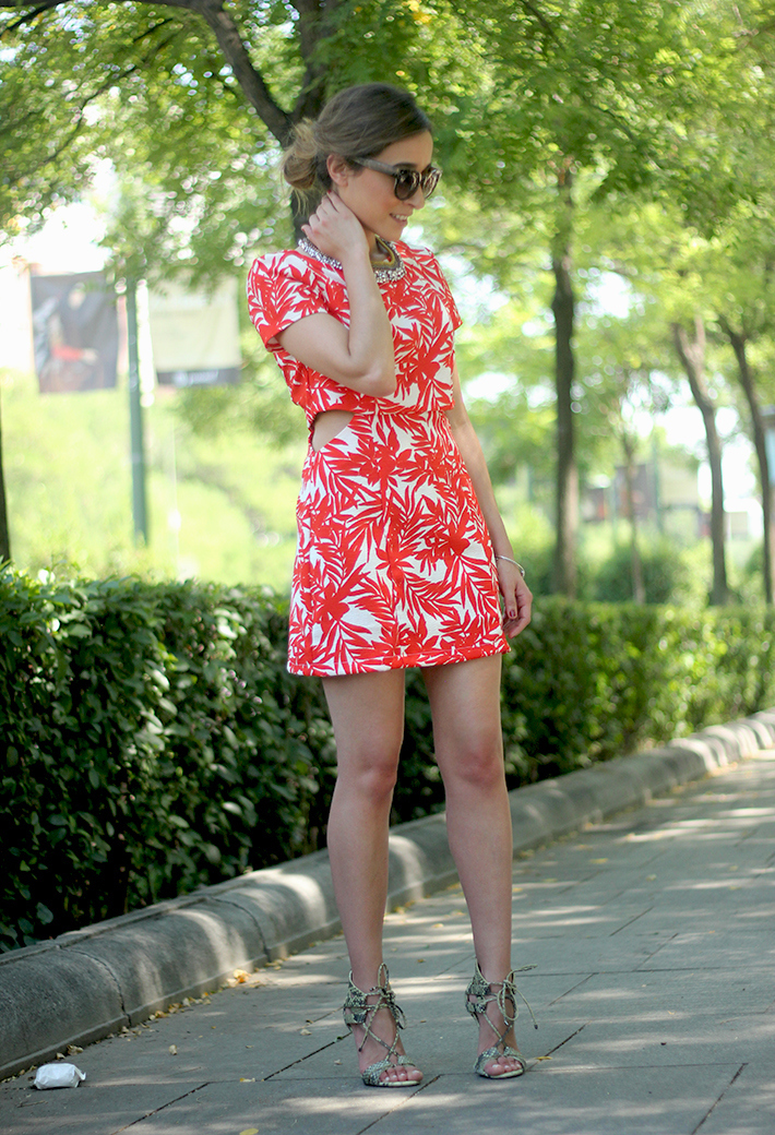 White and Red Summer Dress03