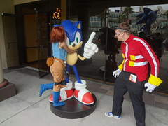 Sally Acorn and Eggman with Sonic at San Diego Comic Con