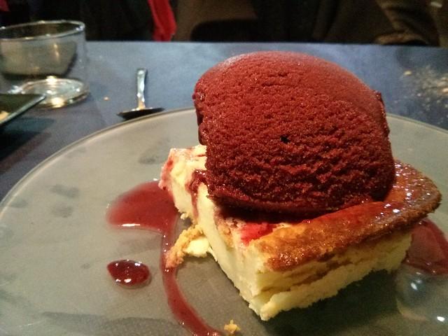 pastel de queso con mora - cal cuc - castellón de la plana