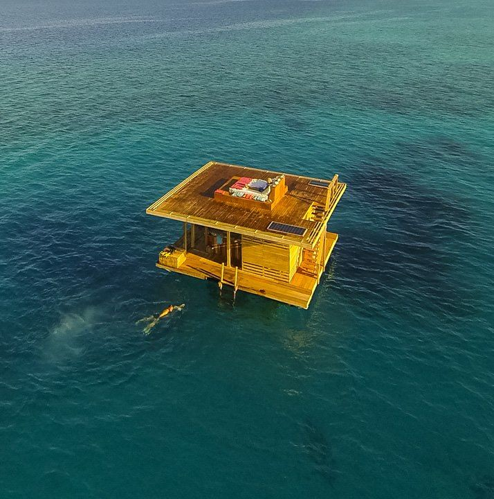 The Manta Resort - Floating Hotel