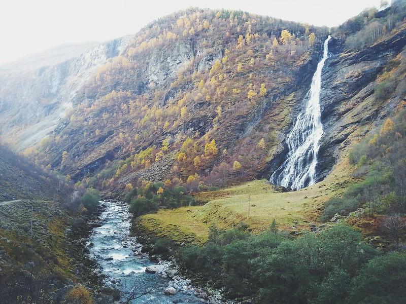 Avdalsfossen (170 m)