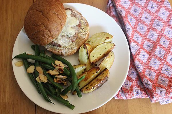 burgers-potatoes-green-beans