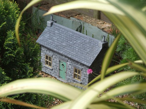 Cottage in position