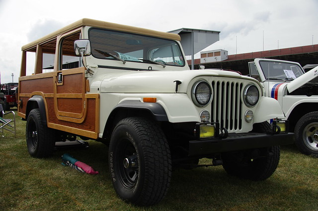 Woody Jeep Wrangler