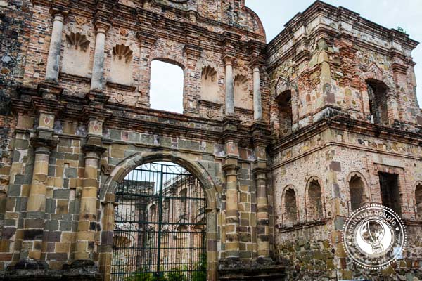 Flat Arch Building Casco Viejo