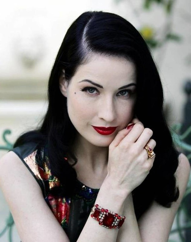 celebrity-dita-von-teese-2013-black-hairstyles-for-women