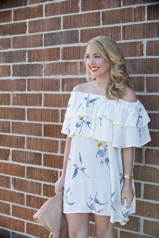 brick wall, flower print, glamorous, chic, affordable fashion, chic fashion, the look for less